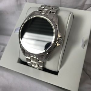 Authentic Michael Kors Smartwatch Bradshaw Silver